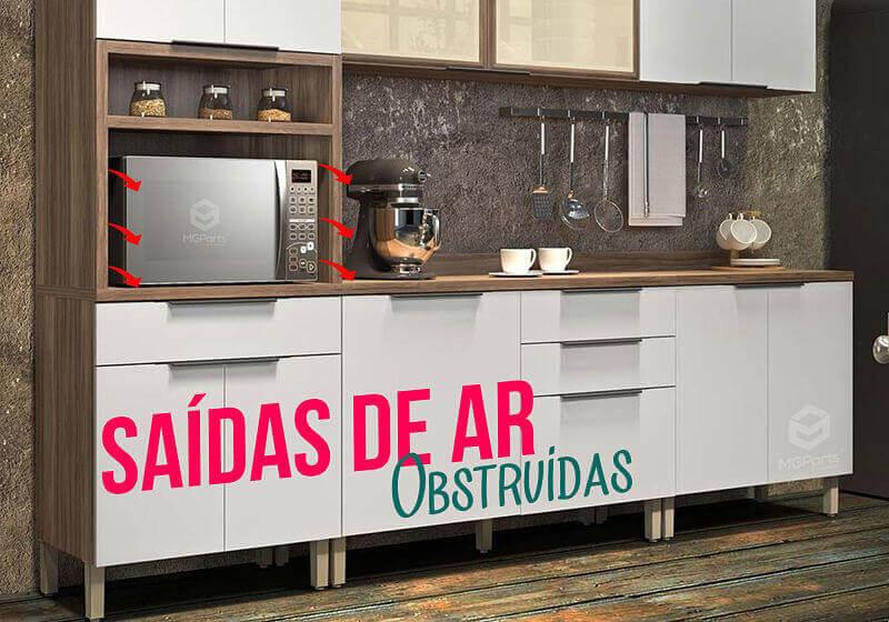 cozinha com micro-ondas