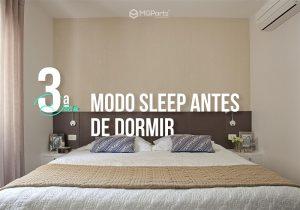 imagem de quarto de casal com cama e ar condicionado em destaque